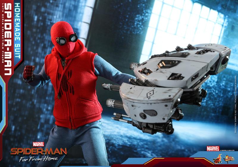 Hot Toys - Movie Masterpiece Series MMS552 - Spider-Man: Far